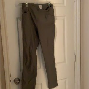 Green fitted pants